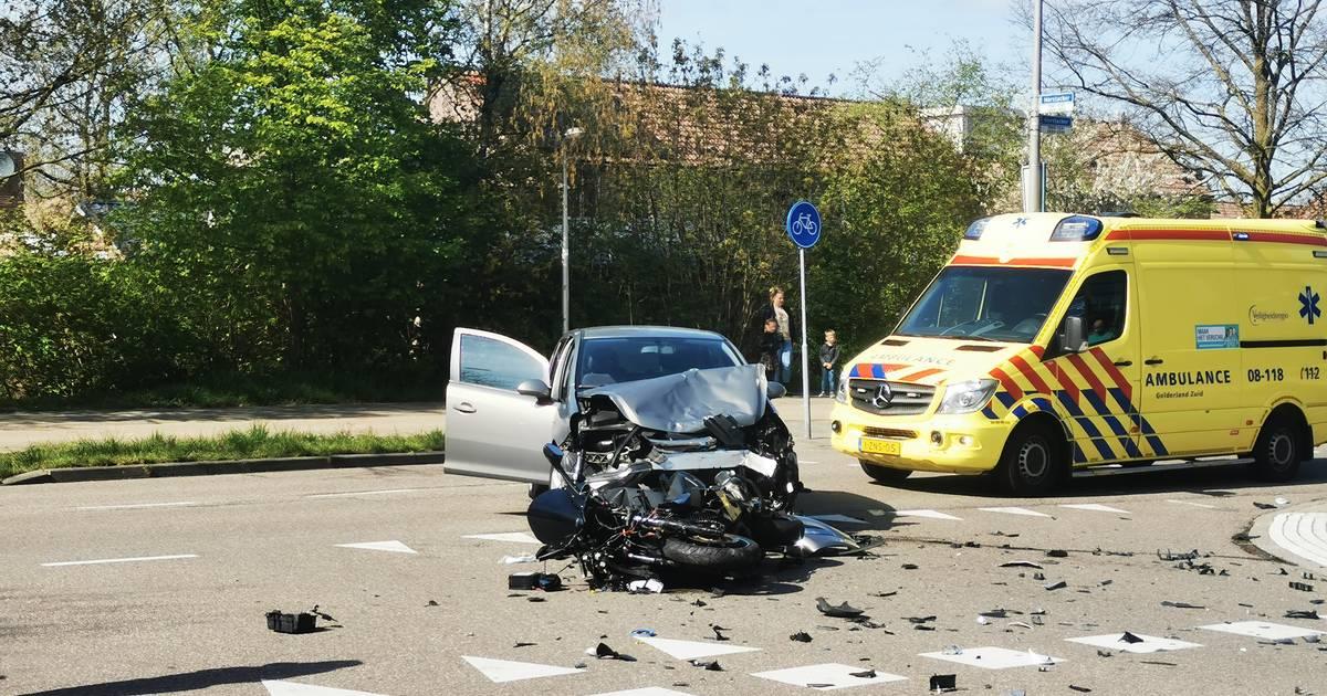 Motorrijder ernstig gewond door ongeluk in Nijmegen.