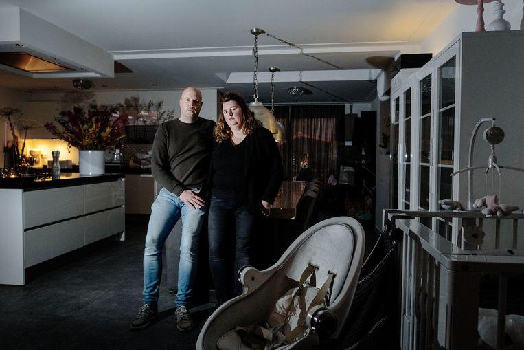 Bas en Vivian van Antwerpen zijn al vier jaar in strijd met het UWV. De rechter kan vooralsnog ook niet helpen.  Beeld Merlin Daleman