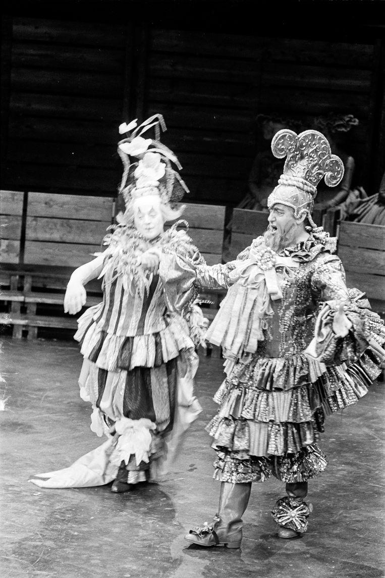 Sénéchal (links) als Platée in Carré in 1968. Beeld ANP