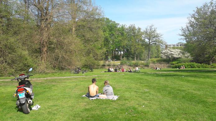 Peinzen in de lentezon over de belangrijke of niet zo belangrijke zaken in het leven.