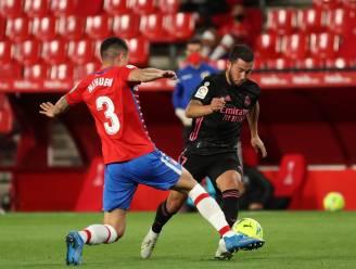 """Hazard kreeg het zwaar te verduren tegen Granada: """"Wonder dat hij hier heelhuids uitkomt"""""""