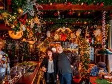 Nachtenlang doorhalen om de ballen op te hangen: café De Grootste Slok is klaar voor de kerst