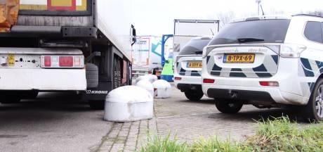 Rijkswaterstaat controleert parkeerplaats van voormalig De Wouwse Tol na overlastmeldingen