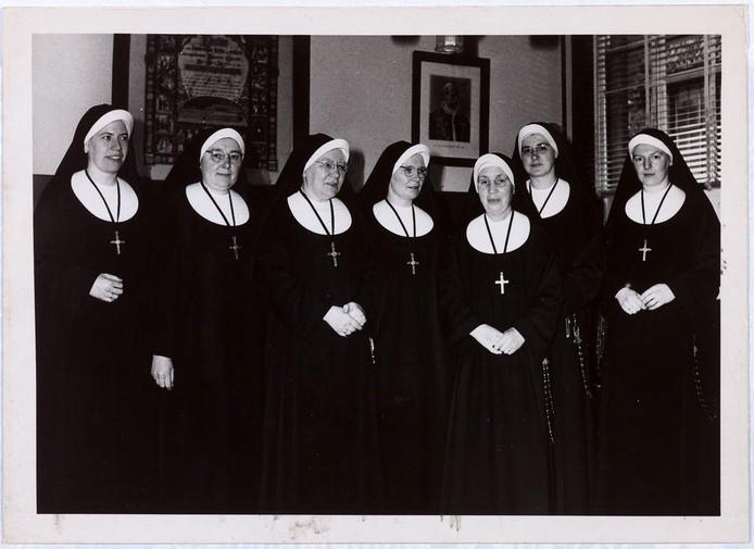 Zusters van Liefde aan de Oude Dijk