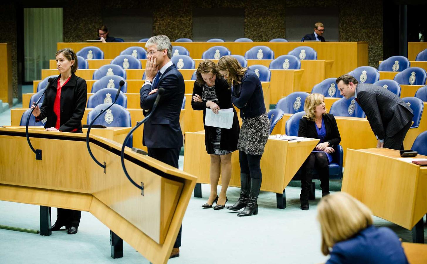 In de Tweede Kamer wil een meerderheid dat inwoners van Ypenburg een betere bescherming krijgen tegen de problemen met de stadsverwarming.