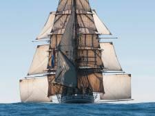 Kijk mee hoe zeilschip Bark Europa na maanden weer thuiskomt in Scheveningen