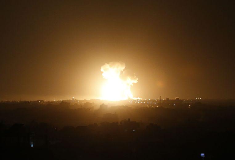 Israël voerde zondagnacht luchtaanvallen uit op het zuiden van de Gazastrook. Beeld AFP