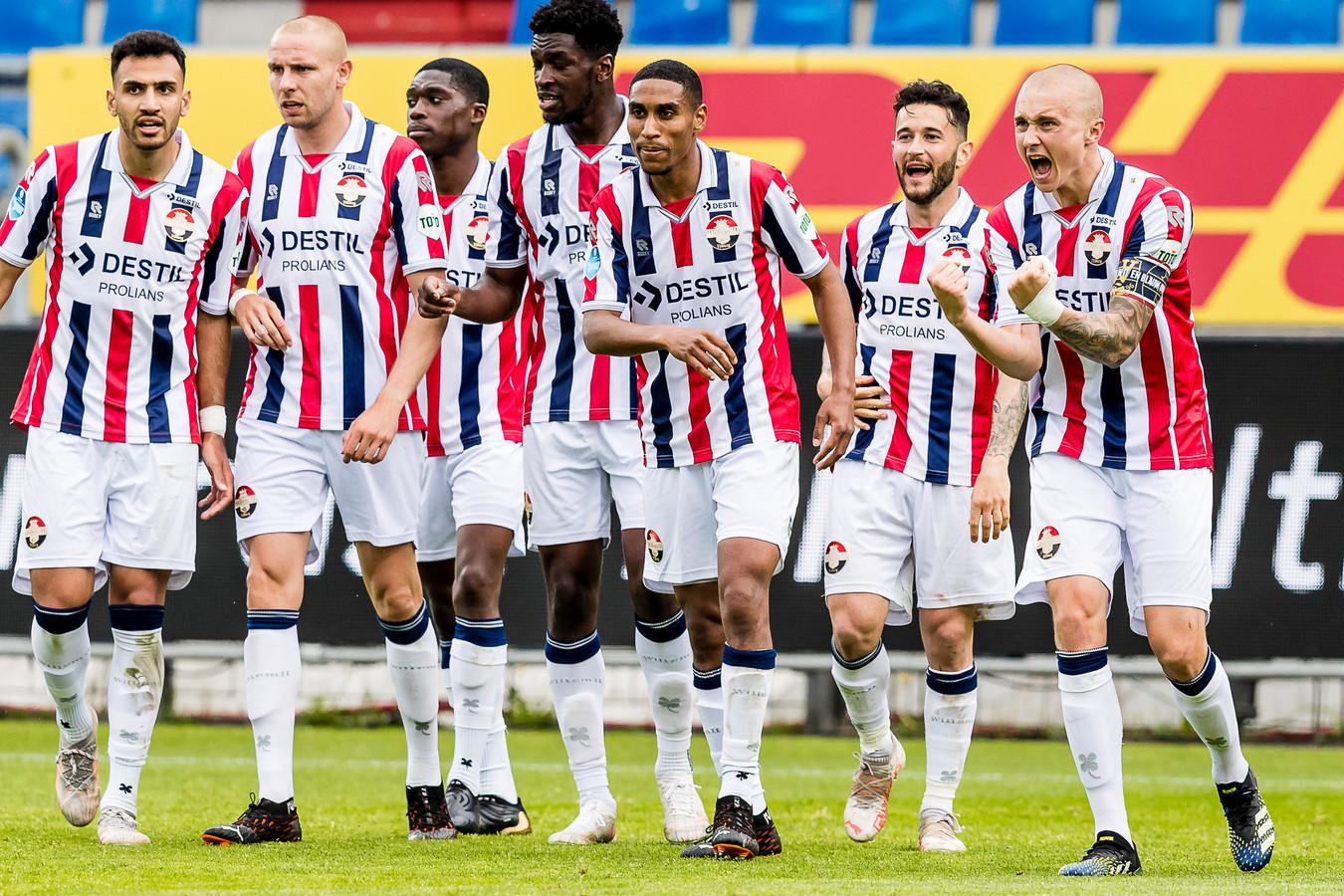 Sebastian Homén (rechts) heeft Willem II op een 2-1 voorsprong gezet tegen Fortuna Sittard. Het bleek de winnende treffer.