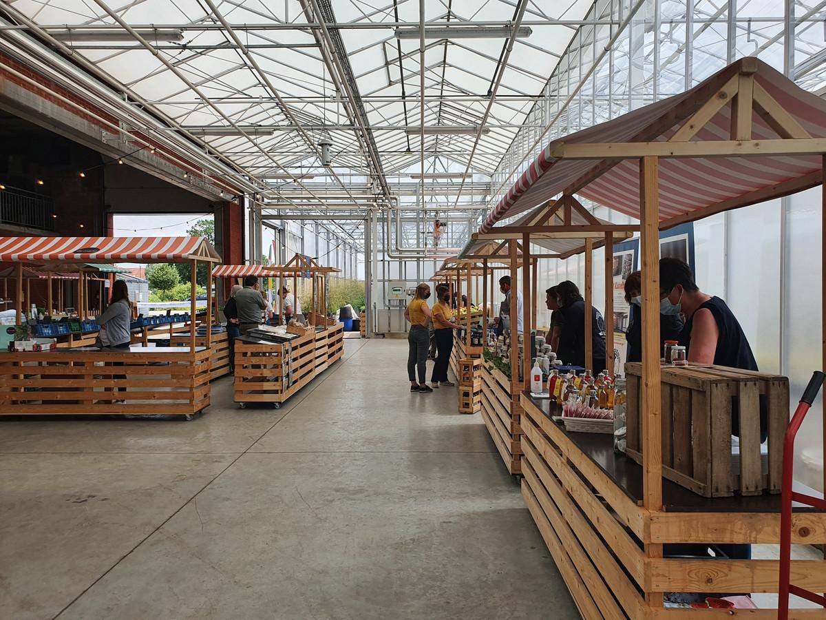 De boerenmarkt zal elke vrijdag plaatsvinden in de zomer.