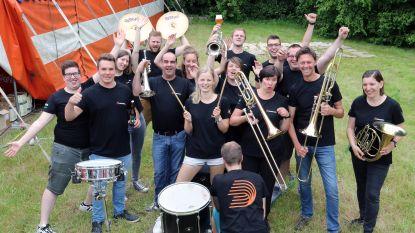 Bouwelse fanfare viert honderdste verjaardag met eigen bier