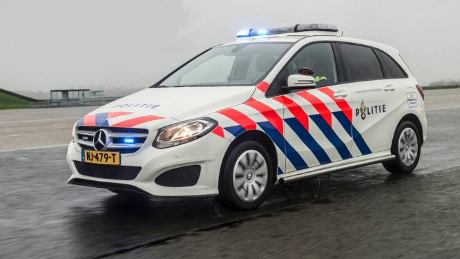 Agenten teleurgesteld: schakelflippers in nieuwe auto zijn vastgelijmd