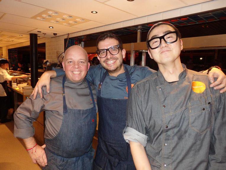 De brigade: Mark Vaessen, chef-kok Claudio Cardoso en John Uhm Beeld Schuim