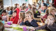 Leerlingen De Boomgaard smullen van gezond ontbijt