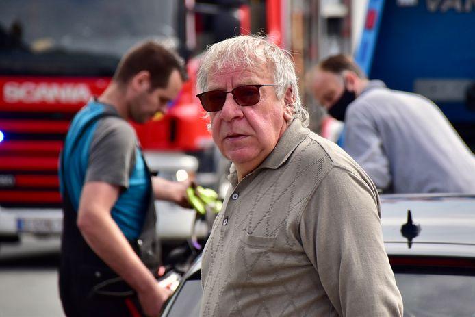 Bernard Hermans uit Vlamertinge had zich net in de kappersstoel van Nancy Derycke in Poperinge gezet, toen het ongeval gebeurde.