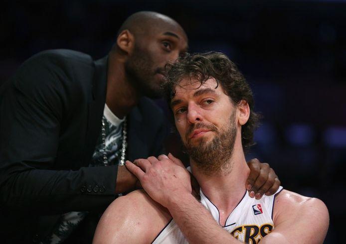 Kobe Bryant troost Pau Gasol.