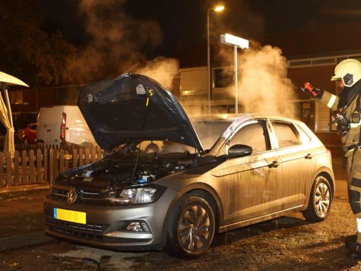 Auto brandt uit en gaat verloren in Den Bosch