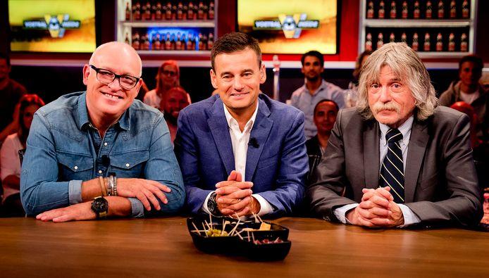 Rene van der Gijp, Wilfred Genee en Johan Derksen tijdens een uitzending van het RTL-programma Voetbal Inside.