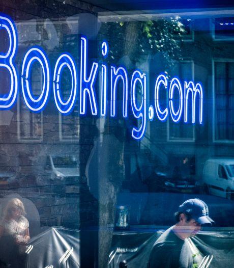 Booking.com betaalt coronasteun terug na ophef over bonussen