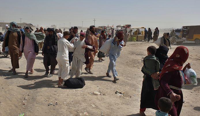 Afghaanse vluchtelingen nabij de grens met Pakistan.