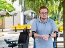 Michaël (24) brak meer dan 30 keer zijn botten: 'Ik ben gestopt met tellen'