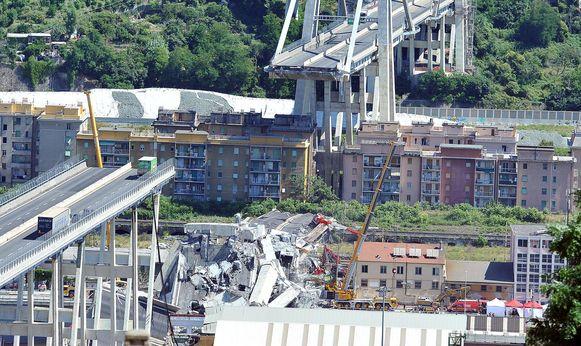 Op 14 augustus 2018 stortte de Morandibrug in Genua in. 43 mensen kwamen om.