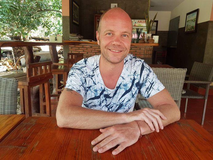 Oud-Zwollenaar Ramon Stoppelenburg. Hij reisde met letmestayforaday.com de wereld rond. Nu is de website bestempeld als Digitaal Erfgoed.