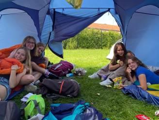 """Scouts zet kamp verder op eigen terrein: """"Toch een beetje kampgevoel"""""""
