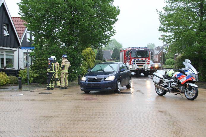 Het ongeluk gebeurde op de kruising van de Jan Steenstraat met de Mensinkweg.