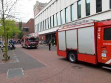 Stadhuis Almelo volledig ontruimd na brandje in technische ruimte