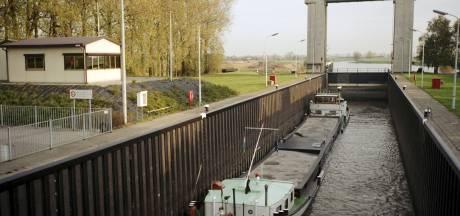 Gestremde sluis Sint-Andries blijft ook na reparatie zorgenkindje voor binnenvaart