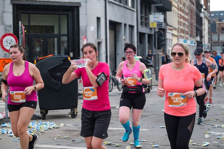 Vrouwelijke deelnemers aan de Ten Miles van Antwerpen van vorig jaar. Beeld Benoit De Freine