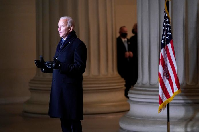 President Joe Biden spreekt de Amerikanen toe tijdens 'Celebrating America' vanaf het Lincoln Memorial in Washington.