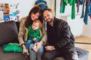 Astrid, Bram en dochter Billie-Ray tonen hun nieuwe kinderkledinglijn.