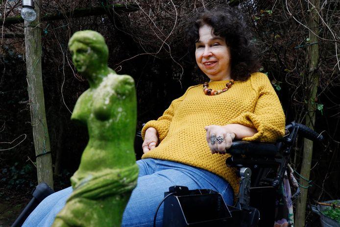 Joyce Houtzagers won de Venus van Milo Prijs niet, maar ze heeft er wel één in de tuin.