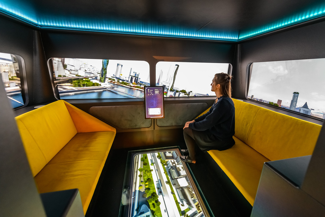 Virtueel over Amsterdam in een vliegende auto