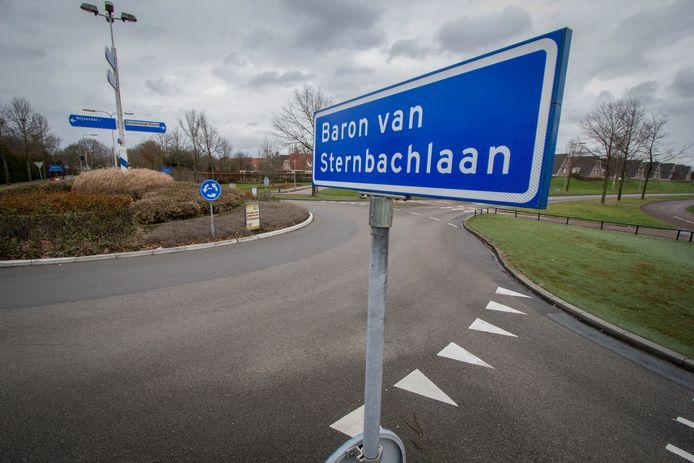 De Baron van Sternbachlaan in Nijverdal: het begin van de Noord-Zuidverbinding.