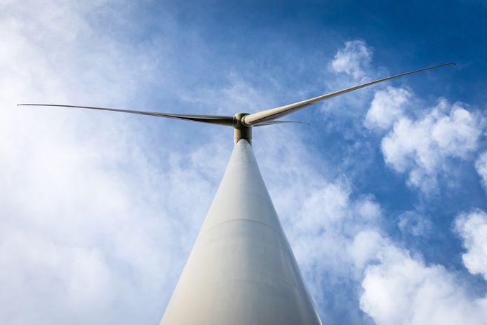 De twee geplande windmolens bij de Haringvlietdam zijn 15 meter hoger dan de Euromast.