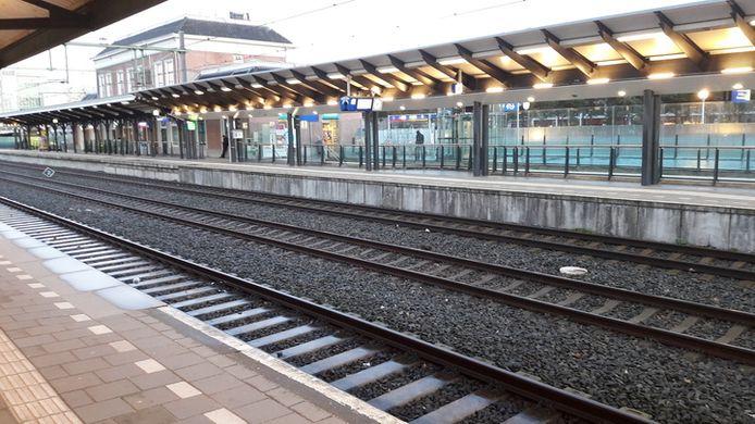Op het centraal station in Apeldoorn zal het de laatste twee weken van februari in een stuk rustiger zijn.