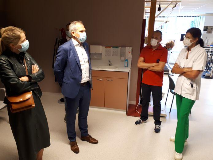 Minister Matthias Diependaele bracht een bezoek aan het AZ Sint-Elisabeth in Zottegem.