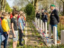 Herdenking bevrijding Oldenzaal dag eerder; 'Kleiner, maar ook een stuk intiemer'