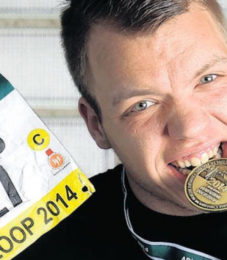 Rotterdammer Dennis loopt per ongeluk de marathon