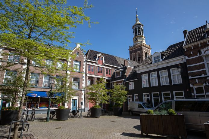 De voormalige sigarenfabriek van de Olifant aan de Botermarkt gaat verder als museumdepot voor piano's.