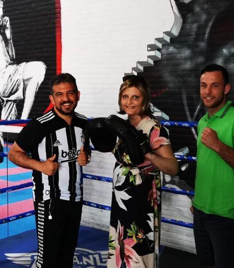 Zieke kickbokser Robbie Hageman zamelt geld in voor Nicky (37) die óók kanker heeft: heel snel dure behandeling nodig