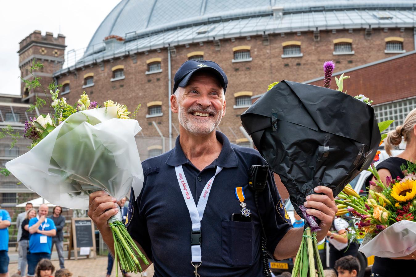 Wijkagent en vrijwilliger van Ome Joop's Tour Frank Daeseleer heeft een Koninklijke Onderscheiding gekregen.