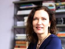 Schrijfster vertelt alles over haar nieuwe roman in Zoetermeerse bibliotheek