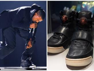 Sneakers Kanye West verkocht voor recordbedrag van 1,8 miljoen dollar