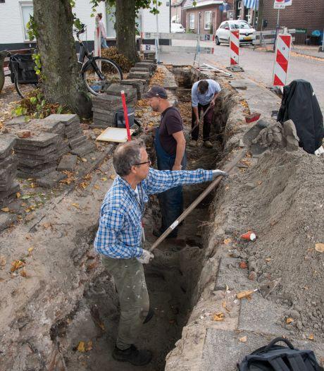 Dikke kasteelmuur ontdekt in binnenstad van Harderwijk