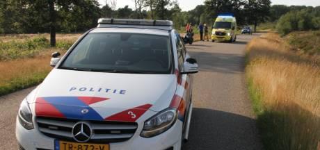 Motorrijder gewond door botsing met auto in Holten