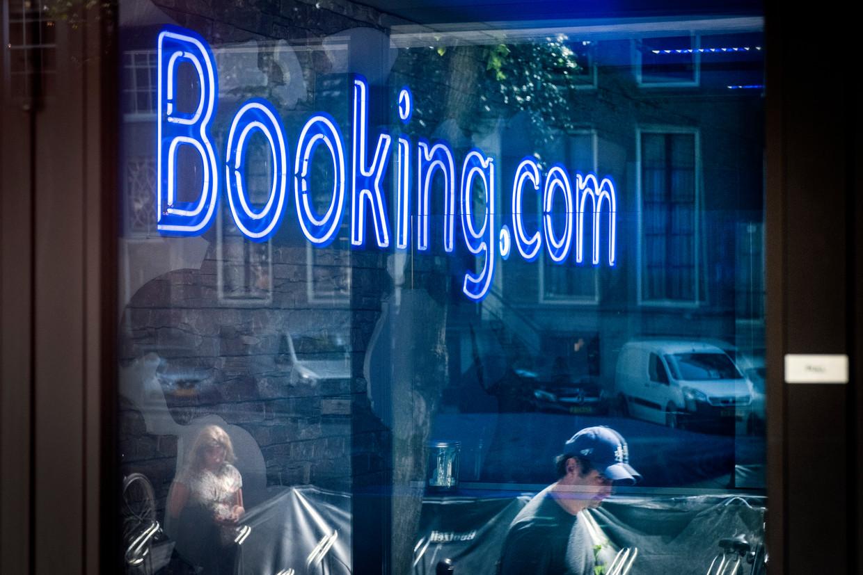 Het kantoor van Booking.com aan de Herengracht in Amsterdam. Beeld Ramon van Flymen/HH