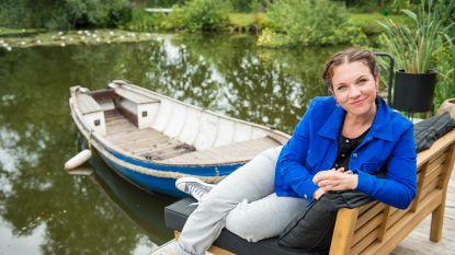 """Siska Schoeters presenteert nieuwe radioshow: """"Toen ik opnieuw laat moest werken, hing mijn zoontje huilend aan de telefoon"""""""